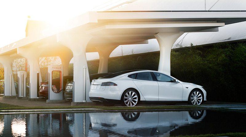 Tesla | фото: insideevs.com