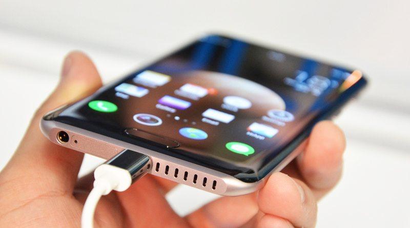 Смартфон Huawei Honor Magic | фото: engadget.com