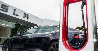 Tesla назвала стоимость зарядки машин