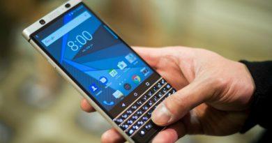 BlackBerry показала смартфон с умной клавиатурой