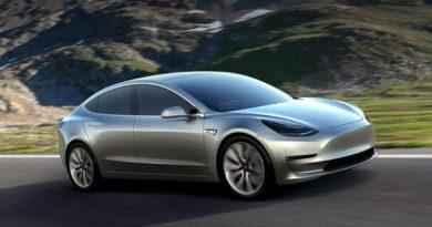 Tesla Model 3 будет лишена приборной панели