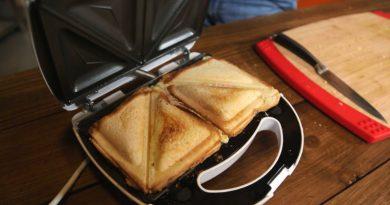 Тестируем недорогую сэндвичницу BBK ES027