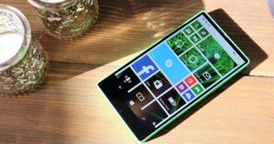 Lumia 435   Фото: 3dews.ru