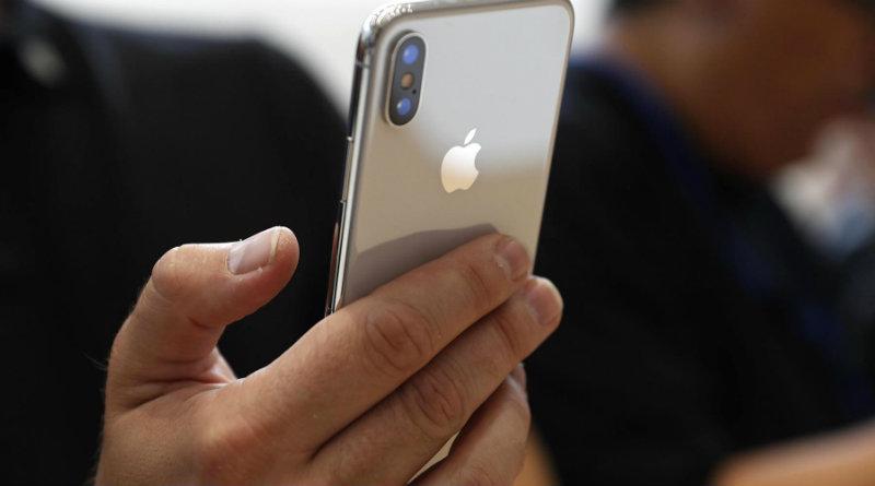 iPhone X   Фото: cnbc.com