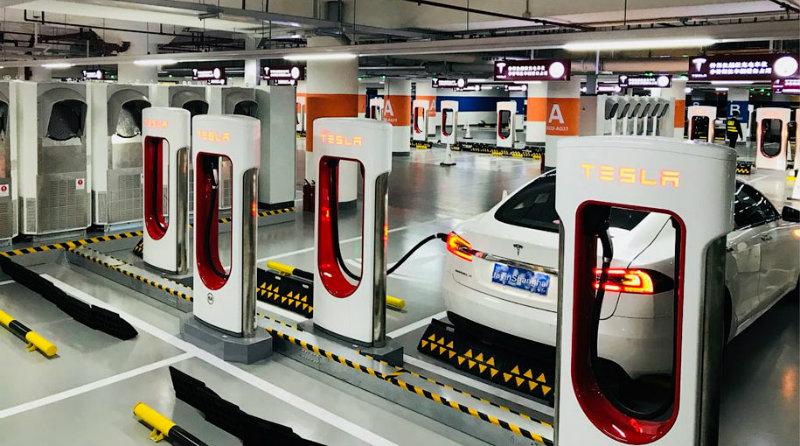 Tesla Supercharger | Фото: motor.ru