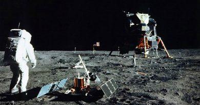 Человек на луне | Фото: loveopium.ru