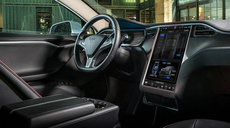 Салон Tesla Model S | Фото: stackpathdns.com