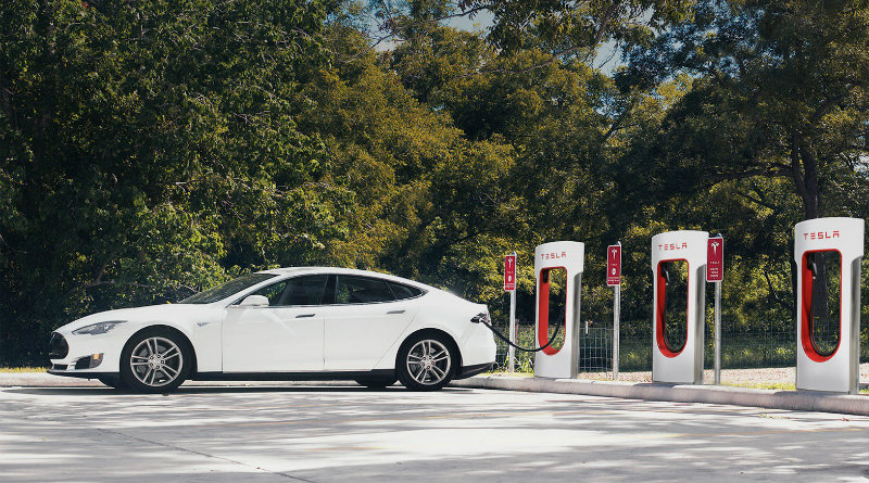 Tesla | Фото: ridus.ru