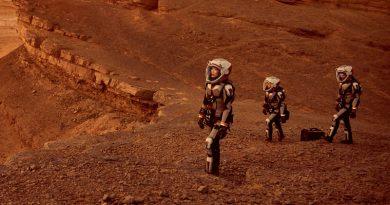 Люди на Марсе   Фото: Karaknews