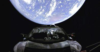 Tesla в космосе | Фото: gannett-cdn.com