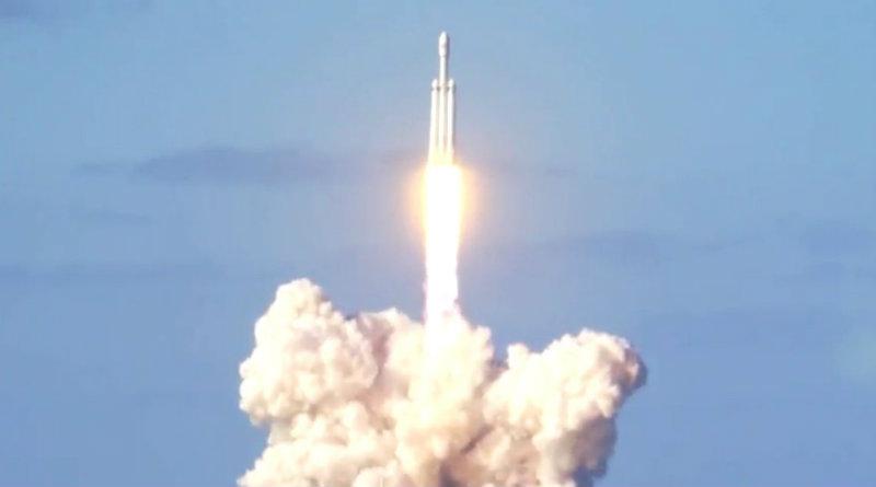 Falcon Heavy | Фото: meduza