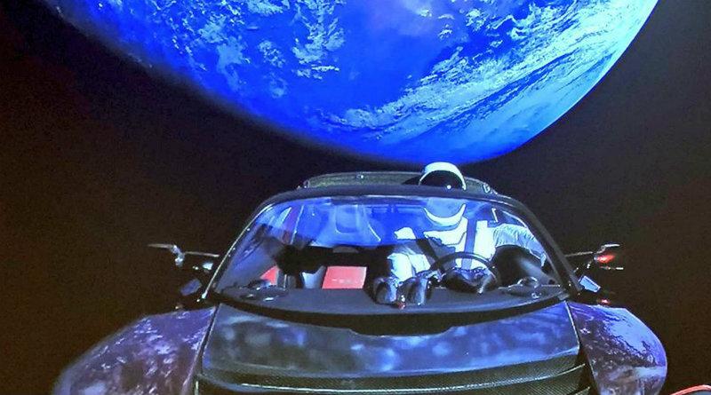 Tesla в космосе   Фото: cloudfront.net
