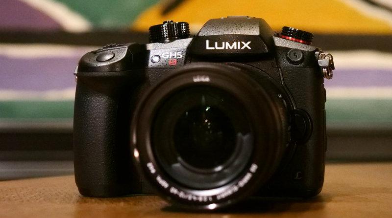Lumix GH5s | Фото: pocket-lint.com