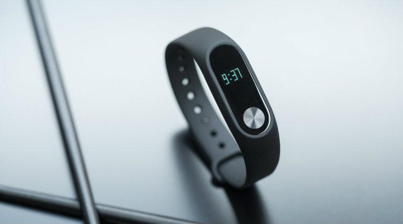 Xiaomi Mi Band 2 | Фото: curved.de