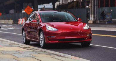 Илон Маск построит двухмоторную Tesla