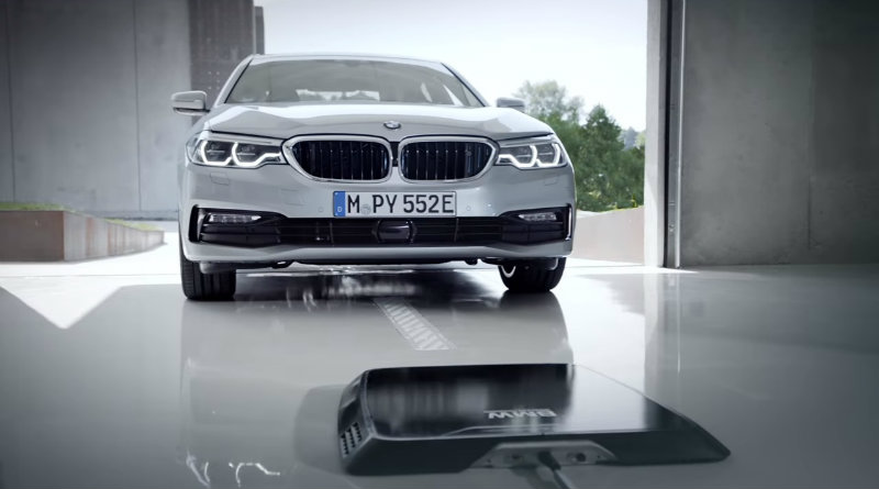 Беспроводная зарядка BMW | Фото: autoevolution.com