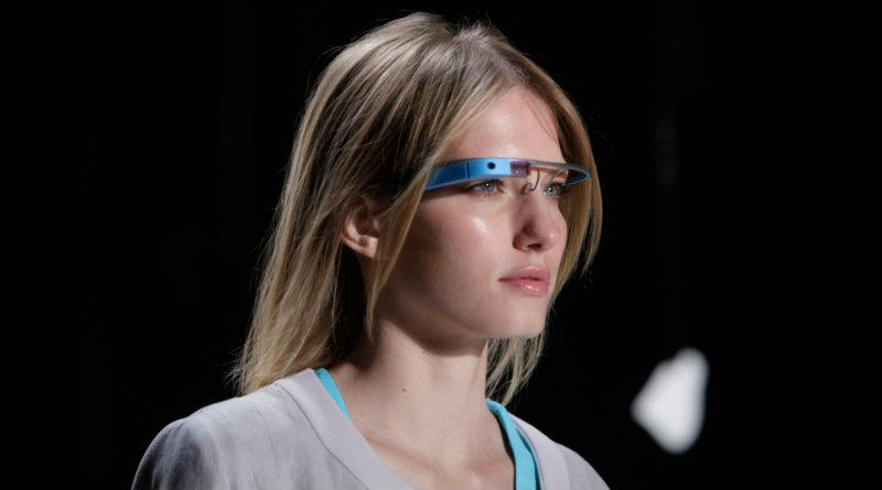 Google Glass | Фото: https://qz.com