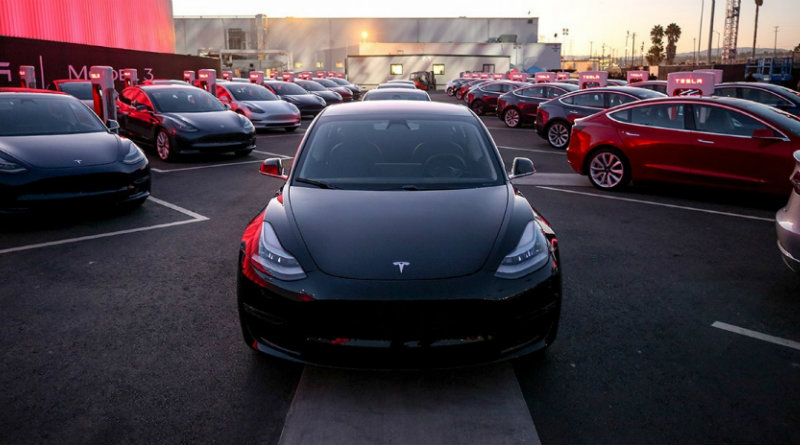 Tesla Model 3 | Фото: motor1.com/