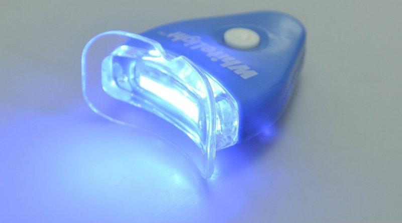 Отбеливание зубов White Light | Фото: insales.ru