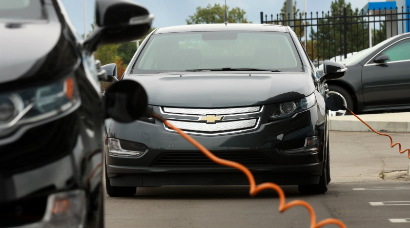Электрокар | Фото: automobilemag.com