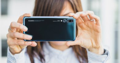 Huawei P20 Pro назвали лучшим смартфоном года