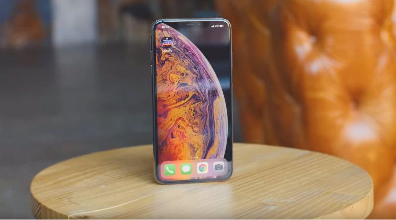 Apple iPhone Xs Max: обзор и распаковка