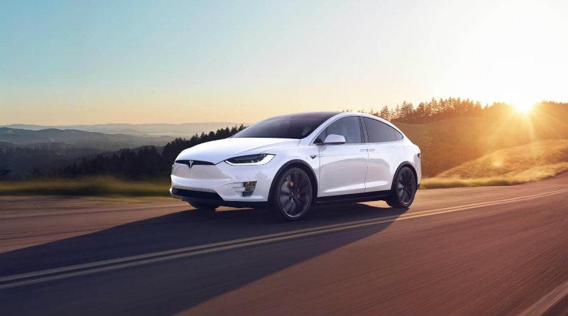 Tesla Model X   Фото: Tesla