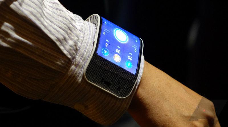 гибкий смартфон | Фото: https://www.androidpolice.com