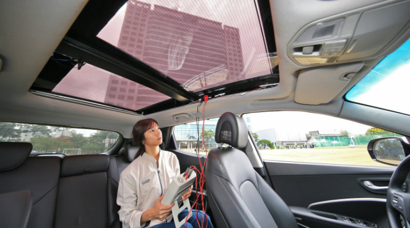 Солнечная панель   Фото: машина с солнечной крышей   Фото: hyundai