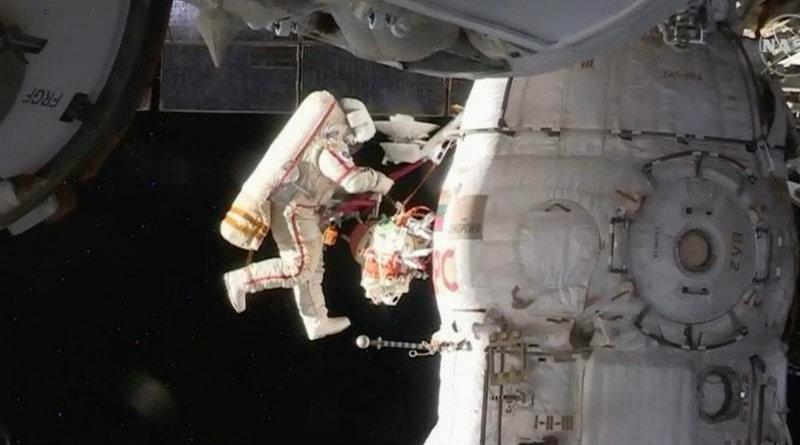Российский космонавт   Фото: expressandstar.com