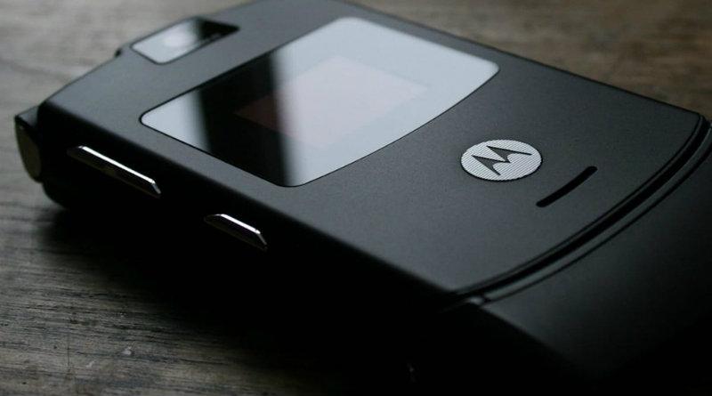 Motorola RAZR V3 | Фото: akamaihd.net