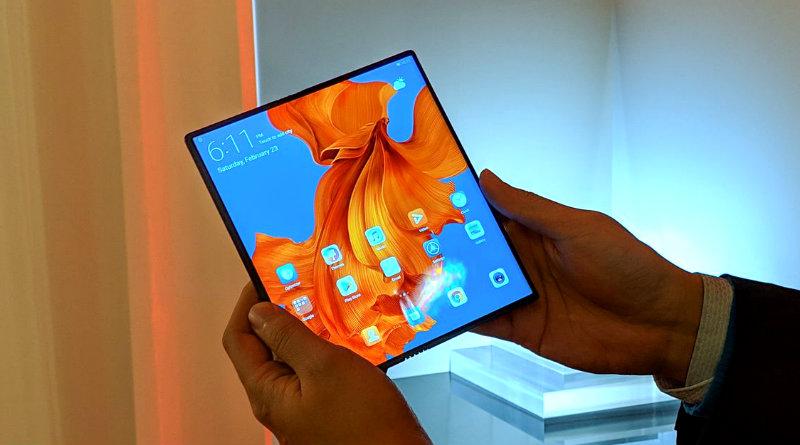 Huawei Mate X фото: The Verge