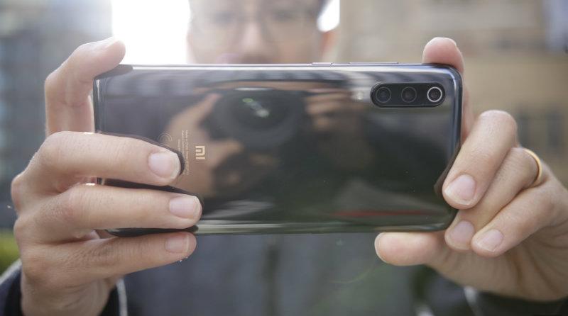 Xiaomi Mi 9 | Фото: Engadget