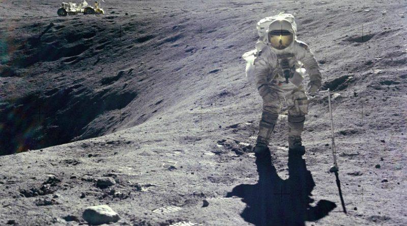 Астронавт на Луне | Фото: pikabu