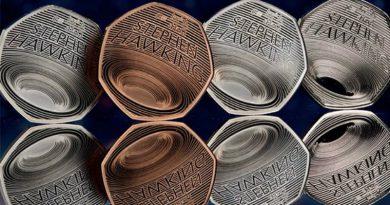 Монеты в честь Стивена Хокинга