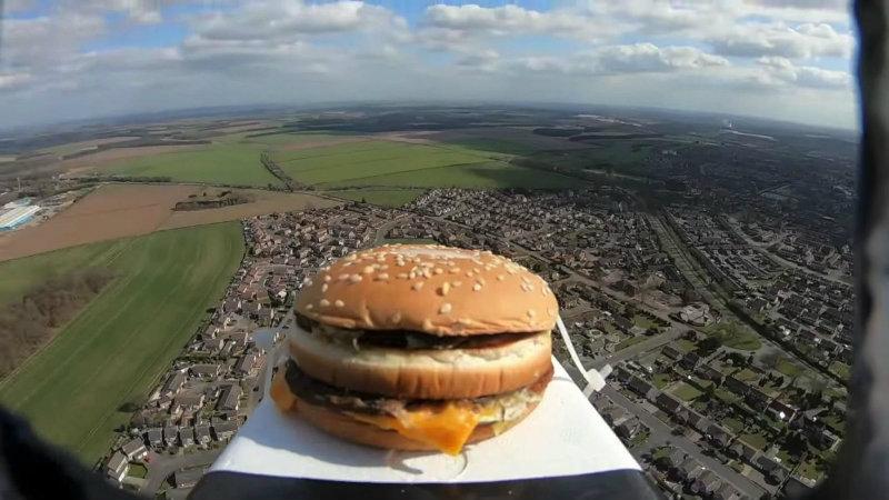 Бургер в космосе | Фото: jerseypeeps.com