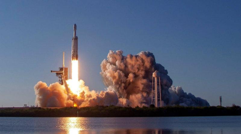 Falcon Heavy | Фото: VC.ru