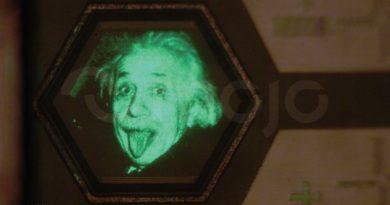 Самый маленький в мире дисплей   Фото: Mojo Vision