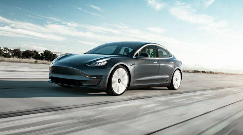 Tesla Model 3 | Фото: cdnimg.rg.ru