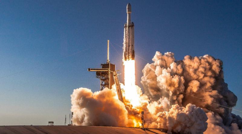 Falcon Heavy   Фото: teslarati