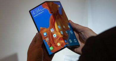 Huawei отложила старт продаж складного Mate X