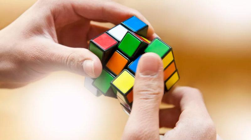 Кубик Рубика   Фото: cbsistatic.com