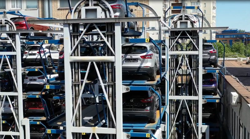 Парковка официального дилера Nissan на Таганке | Фото: chudo.tech