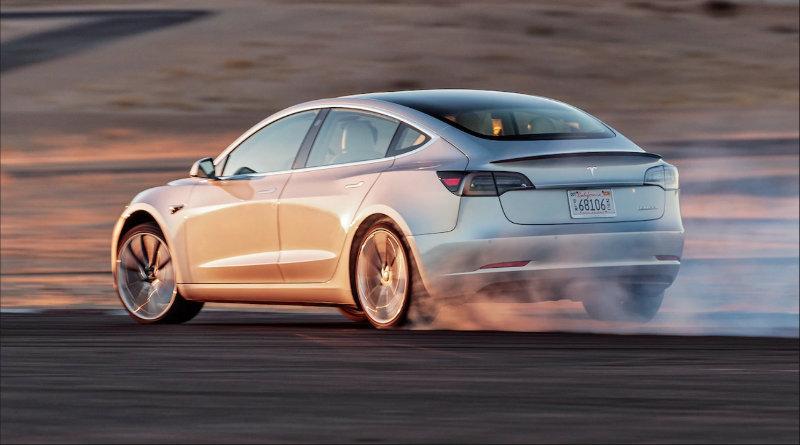 Tesla Model 3 | Фото: https://www.teslarati.com
