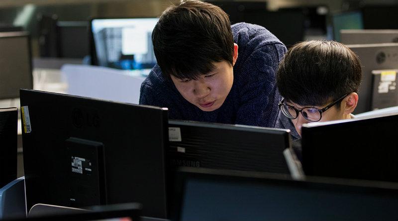 Разработчики из Китая | Фото: РИА