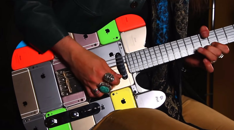 Гитара из айфонов