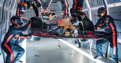 Видео: пит-стоп Формулы-1 в невесомости